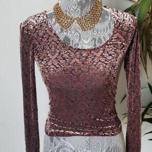 Vintage Tops - Vintage // Velvet Burnout blouse
